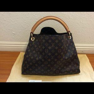 Louis Vuitton Bags - Auth Louis Vuitton Artsy MM monogram
